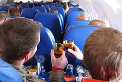 Минэкономразвития не поддержало инициативу Росалкогольрегулирования о запрете продажи алкоголя на всех видах транспорта