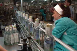 Украина: объемы выпуска водки в июле 2013 года упали на 16%