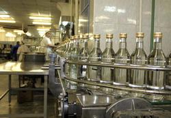 С начала года объемы выпуска водки в УрФО увеличились на 5,1%, а объемы продаж снизились на 7%