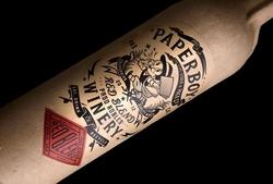 Англичане и американцы выпустили в свет первое в мире вино в бумажной бутылке