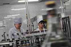 Российские производители крепкого алкоголя сокращают объемы выпуска продукции