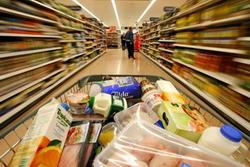 Алкогольные напитки, возможно, будут продавать отдельно от продуктов питания