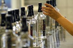 Украина: в июне 2014 годы было выпущено на 42,2% больше водки