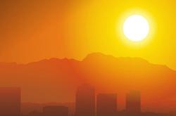 Ученые выяснили, какие алкогольные напитки лучше употреблять в жару