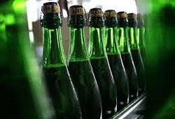 Росалкогольрегулирование вновь решило установить минимальные цены на вино и шампанское
