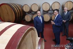 Армения: в Арагацотнской области возведут винный и коньячный заводы