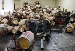 Землетрясение в США погубило запасов вина на миллиарды долларов