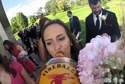 На YouTube можно увидеть свадьбу с точки зрения бутылки виски