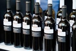Грузия: винодельческие компании сокращают поставки в РФ из-за падения рубля
