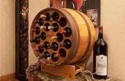 Коллекции вин теперь можно хранить в винном шкафу из винной бочки
