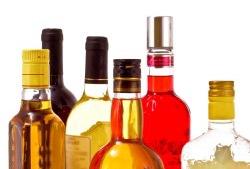 Рейтинг крепкого алкоголя за 2014 год возглавил Smirnoff, российской же водке досталось только 6-е место